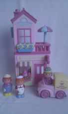 Adorable Big ELC 'Happyland Cake & Sweet Shop Tearoom' & lots of Figures